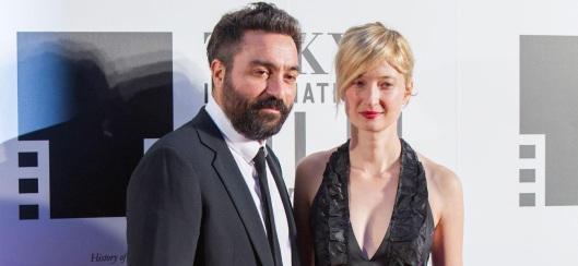 Costanzo con la compagna, Alba Rohrwacher (foto mymovies.it)