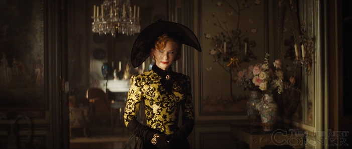 Cate Blanchett nei panni di  Lady Tremaine, nella nuova Cenerentola di Kenneth Branagh (courtesy of turntherightcorner.com)