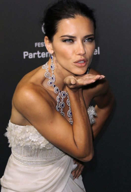 adriana-lima-at-chopard-backstage-party-at-cannes-film-festival_3.jpg